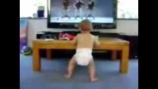 танцующий малыш(скачать видео по ссылке http://namba.kg/#!/video/3346621/, 2012-10-20T15:14:21.000Z)