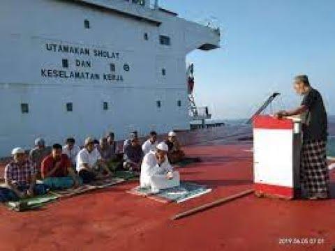 Beginilah Suasana Shalat Id Di Atas Kapal