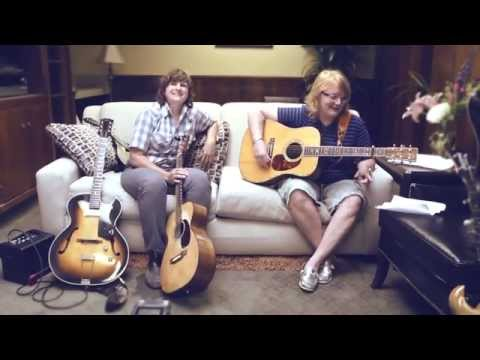 Indigo Girls: Backstage At The Greek - Elizabeth