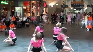 Flashmob Hauptbahnhof Saarbrücken Sweet Like Poison 2 / 07.05.2011