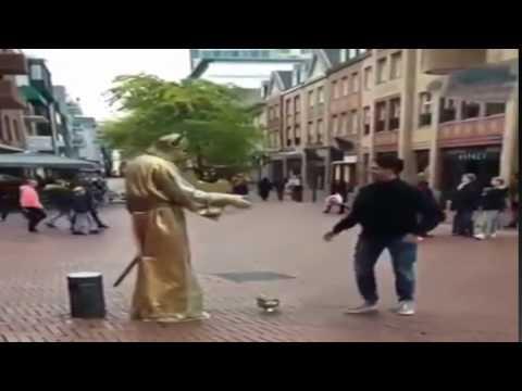 statue dab