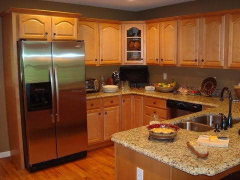 Oak Kitchen Cabinets and Wall Color - YouTube