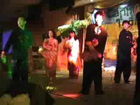 2006 Gala _ 05 Ban Hung Ca Chim Lac ( Lend a Hand VYO )