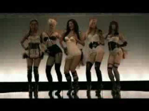 Девушки в чулках танцующие под музыку — photo 10