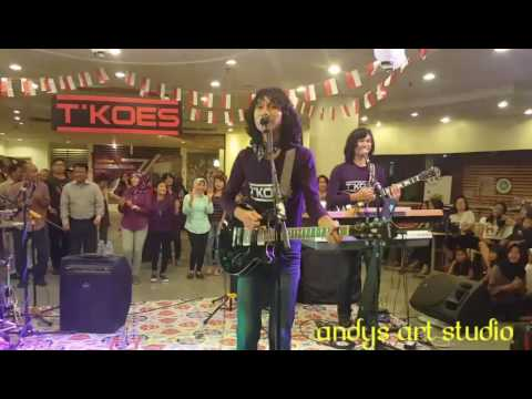 Oh Tak Mungkin by Tkoes Band