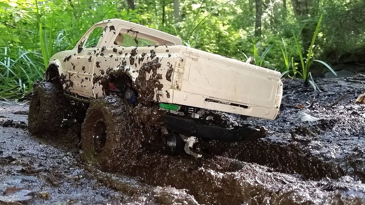 Rc Mud Bogging 4x4 Rc Truck Mudding And Winching