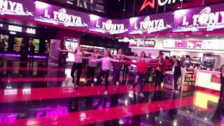 Elsberdance - Greatest Showman Flash Mob