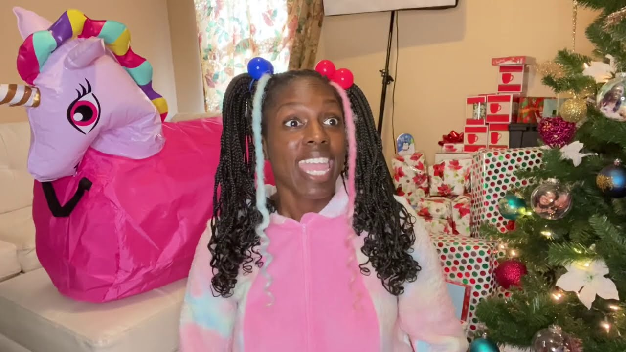 Ebony Tv Show Getting everybody a Christmas gift part 27