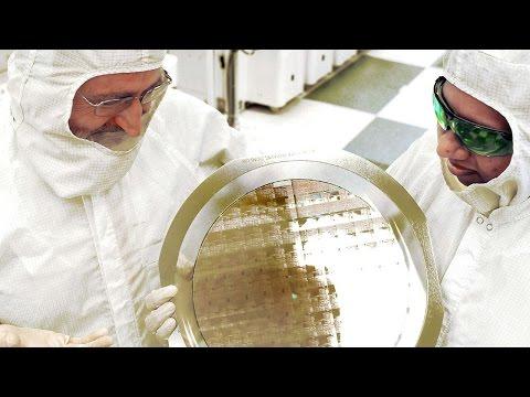 IBM unveils world's first 7nm chip