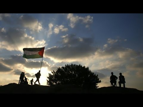 مقتل ثلاثة شبان فلسطينيين برصاص الجيش الإسرائيلي قرب السياج الحدودي في غزة  - نشر قبل 20 دقيقة