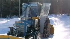 Fordson Super Dexta and snow (lumityöt)