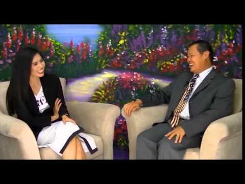 The Victoria Tố Uyên Show: Trò chuyện cùng Hoàng Tuấn của chương trình Đọc Báo Vẹm