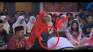 Video TERHARU, Ust Evie Effendi Menangis Cium Kaki Ibunda| SAHUR SEGERR (01/06/18) download MP3, 3GP, MP4, WEBM, AVI, FLV September 2018
