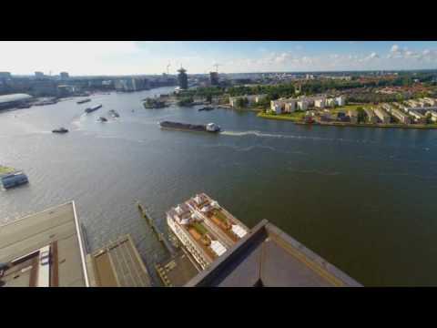 Timelapse scheepvaartverkeer op het IJ in Amsterdam