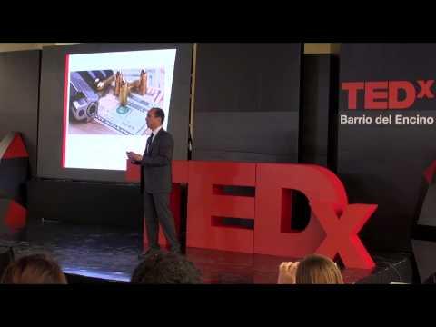 Responsabilidad Social: Función del ciudadano.   Lius Ortiz   TEDxBarriodelEncino
