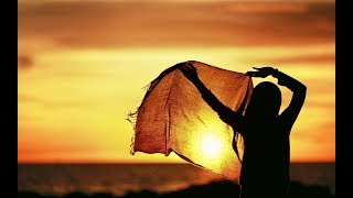 Download Dea Mirella - Menanti (with lyrics)