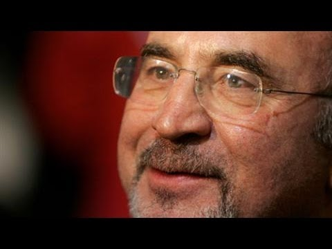 Actor Bob Hoskins Dies of Pneumonia at Age 71
