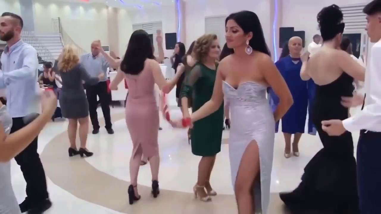 Arap Düğünleri En Güzel Arap Kızları Bu düğünde Toplanmış