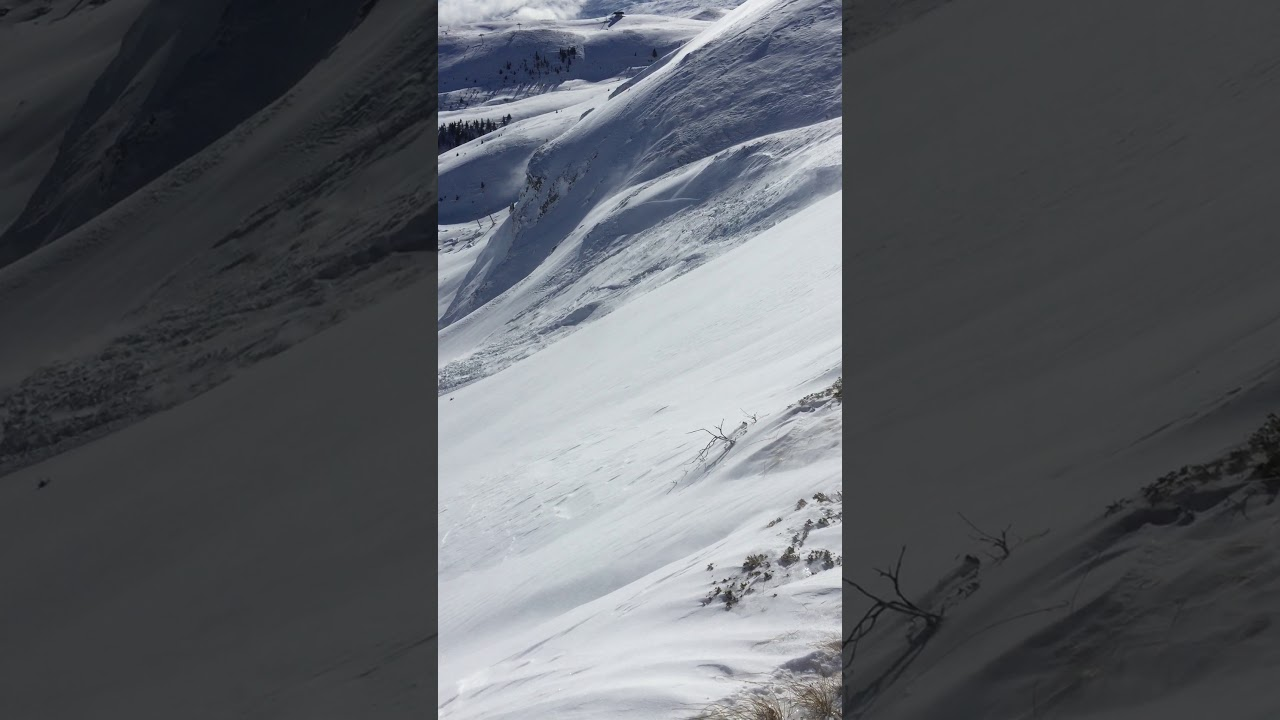 Huge Avalanche! Video 4687b6c546