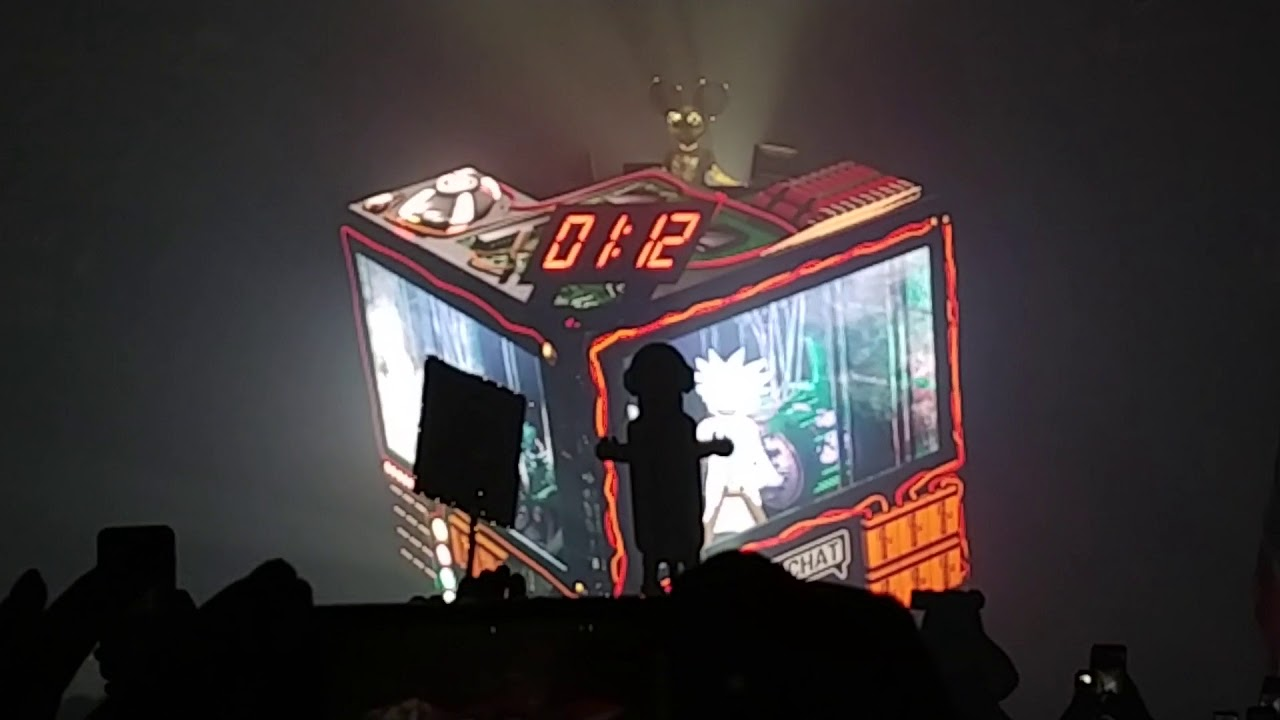 Deadmau5's NYE Countdown Featured 'VRChat' Versions of Rick and