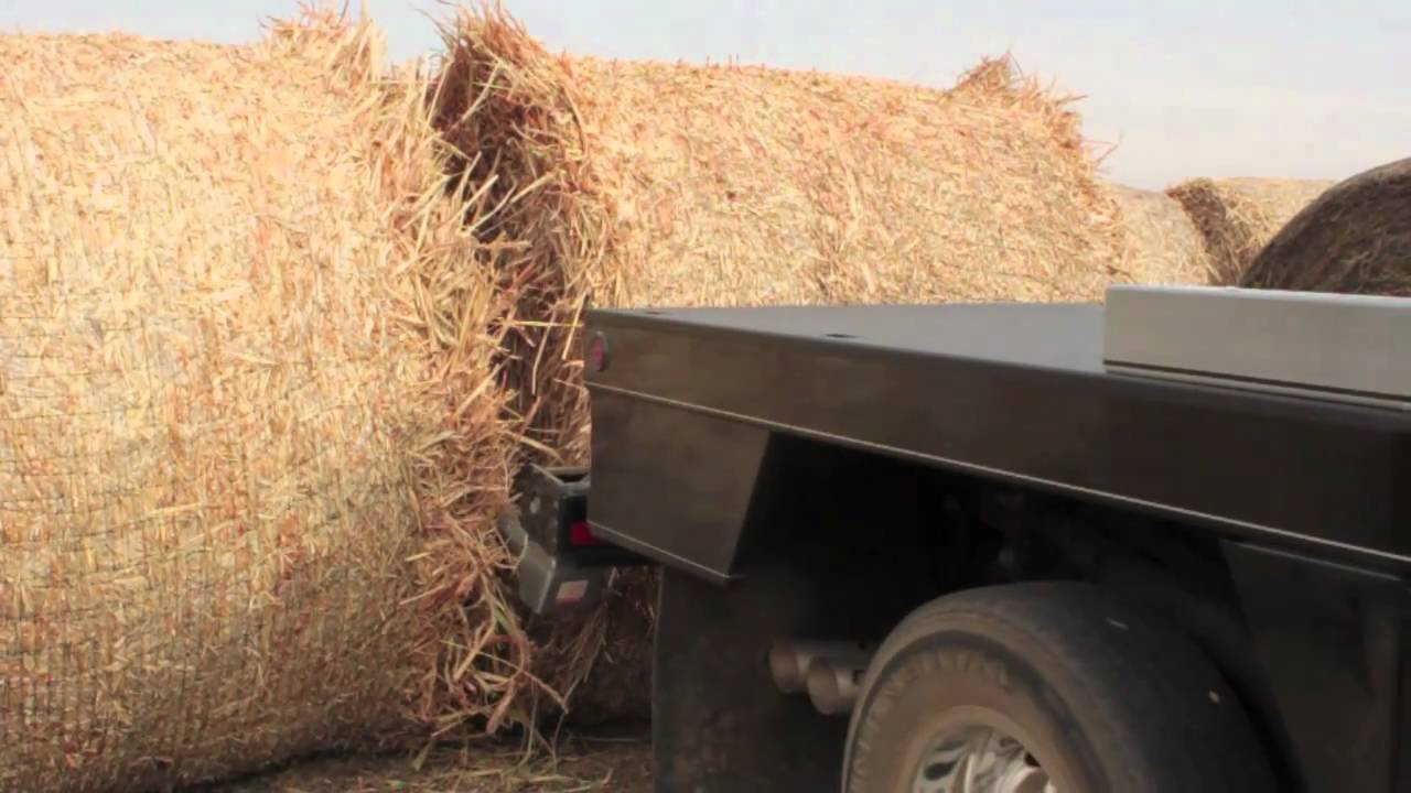Deweze 600 700 Series Bale Bed Youtube