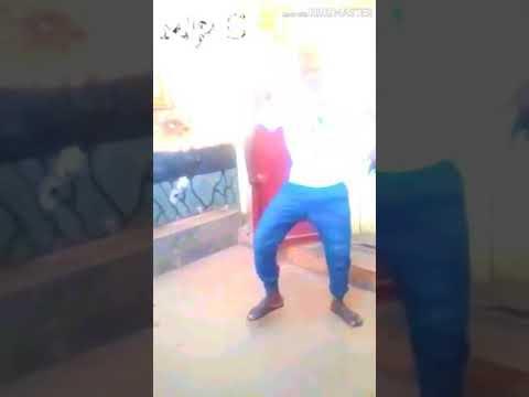 Download Ngobho makumbusho Video cover (MpC Mr Hii)