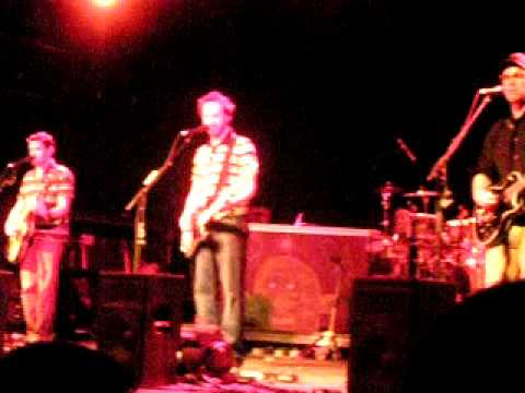 Red Oyster Cult. Pixies. Guster. Cincinnati, OH. Bogart's. 4/2/2011. mp3