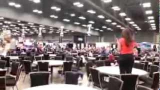 Austin, Texas SCBWI TLA Flash Mob - READ!