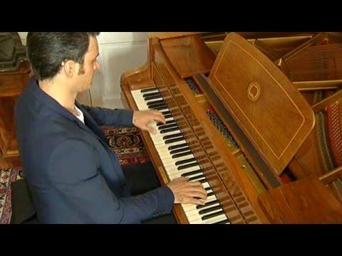 Portrait du pianiste américain Ivan Ilic