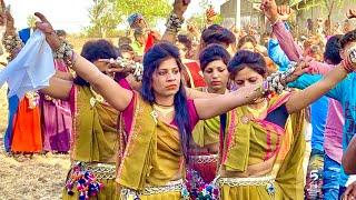 Beautiful adivasi girls dance   sanburi ne   सन बुरी ने वाकड़ो काटो   adivasi gane   adivasi songs