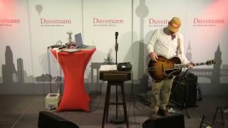 "Kurt Wagner: ""The Hustle"" (live)"