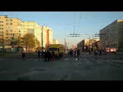 Улица Димитрова после прорыва теплотрассы