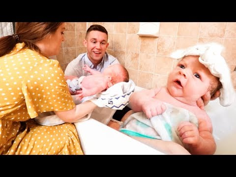 newborn-baby's-first-bath-at-home!