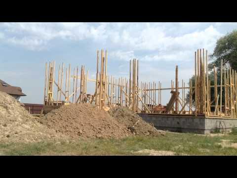 видео: Каркасный дом из легкого самана time lapse