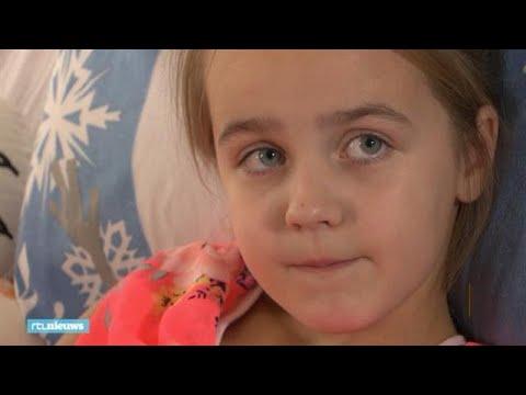 Suze (8) brak haar bovenbeen op een springkussen - RTL NIEUWS