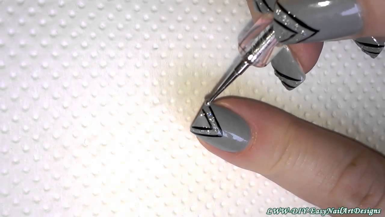Sparkly elegant GREY CHEVRON NAIL ART - DIY Easy nails tutorial ...