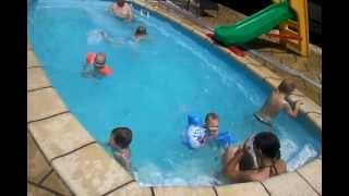 Vnuci v bazénu 5