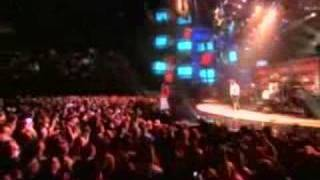 Queen + Paul Rodgers - Under Pressure