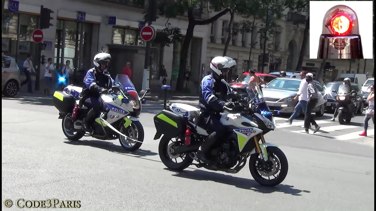 police motorcycle in tow lights and siren moto de police en remorquage youtube. Black Bedroom Furniture Sets. Home Design Ideas