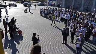 Флешбом «День победы» в Евпатории(6 мая на Театральной площади в городе Евпатория впервые состоялся флешбом «День победы» в рамках Дней едины..., 2015-05-08T19:36:28.000Z)