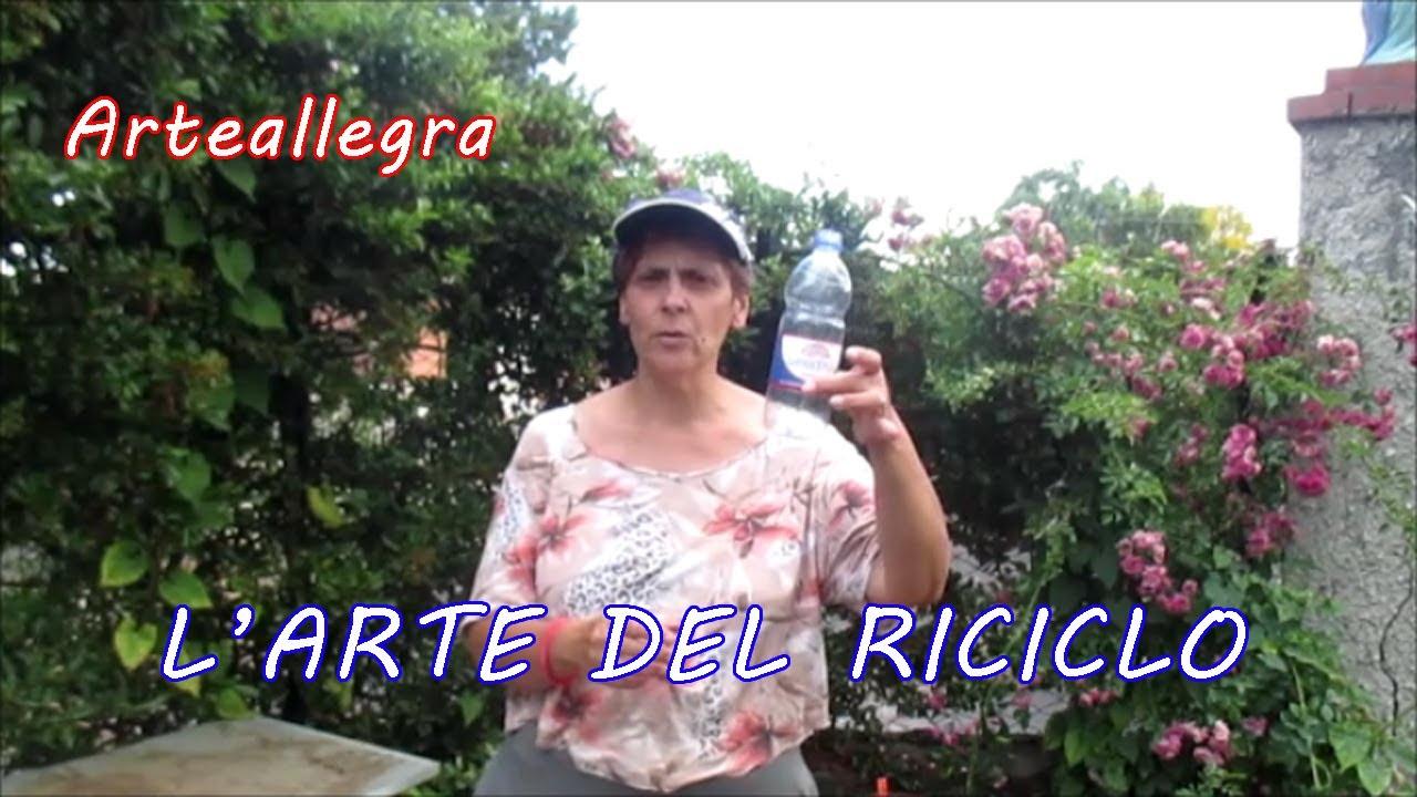 Bagnare Piante Con Bottiglie irrigate with a plastic bottle