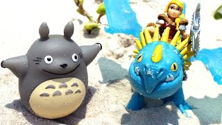 Видео для детей с игрушками из мультфильмов:  Тоторо спасает дракона Громгильда(Потрясающая увлекательная история с игрушками из мультфильмов «Как приручить дракона» и «Мой сосед Тоторо..., 2016-05-30T10:32:22.000Z)