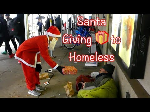 Santa Spreads Holiday Cheer | Giving To Homeless