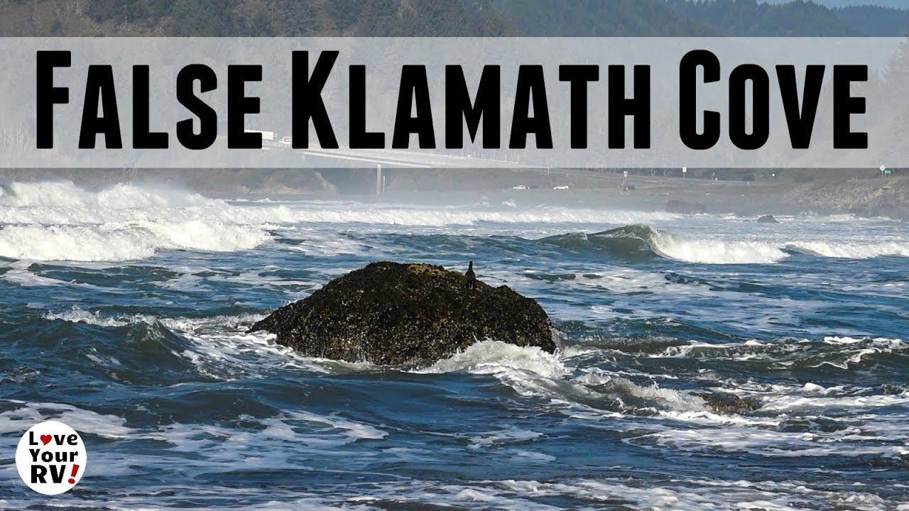 rest-stop-at-false-klamath-cove-north-california-coast