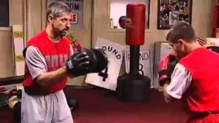 YouTube          Throwing combinations on the punch mitts