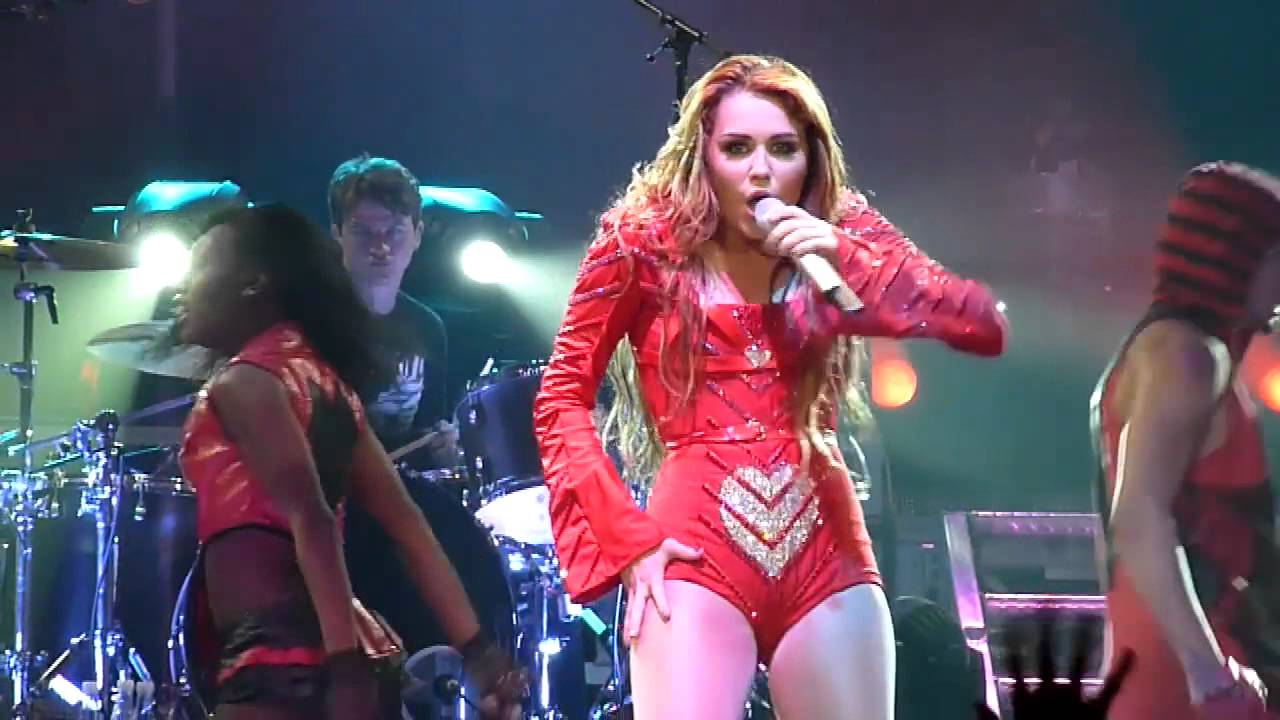 Miley Cyrus Who Owns My Heart Hd Live From Brisbane Australia Youtube