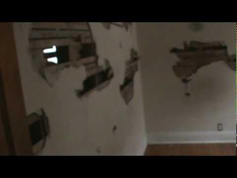 Casa reposeida en Chicago destruida por Dueño enfadado con el banco