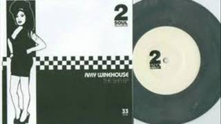 THE SPECIALS VS AMY WINEHOUSE - YOU'RE WONDERING NOW