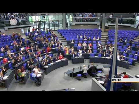 Beschluss der Ehe für alle: Konfetti-Regen im Bundestag