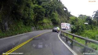 山路上外側超車可能的後果 thumbnail